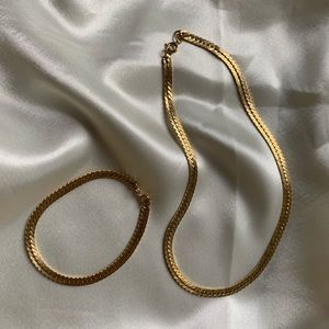 Vtg gold chain chocker necklace and bracelet set